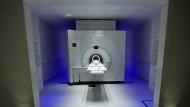 Chef gesucht: Ein Magnetresonanz-Tomograph im Deutschen Krebsforschungszentrum (DKFZ) in Heidelberg.