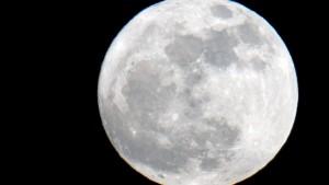 Woher stammt der Mond?