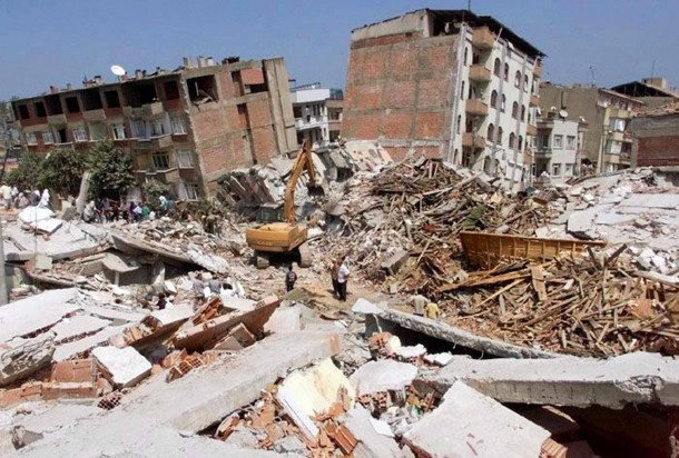 https://media1.faz.net/ppmedia/aktuell/wissen/2435882975/1.3921057/width610x580/17-august-1999-erdbeben-in-der.jpg