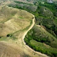 Der Grenzverlauf zwischen Haiti und der Dominikanischen Republik ist  anhand der unterschiedlichen Vegetation leicht zu erkennen.