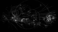 Die Spuren von Materie- und Antimaterieteilchen in einem Blasenkammerexperiment