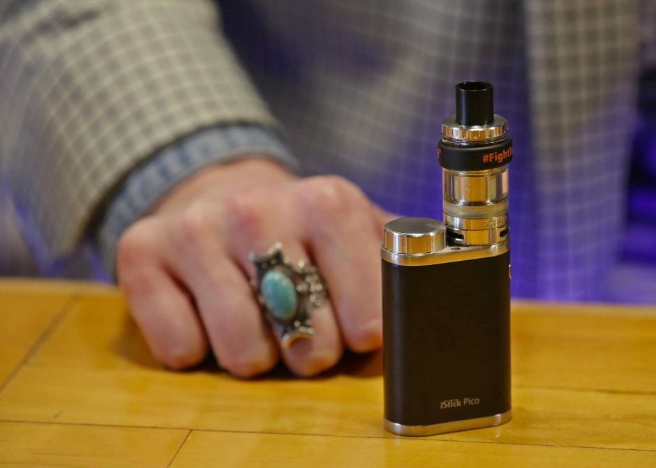 Notausgang E-Zigarette? Forscher sind skeptisch.