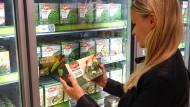 Die Nachfrage nach Tiefkühlkost steigt. Doch ist sie gesund und wie steht es um die Ökobilanz?