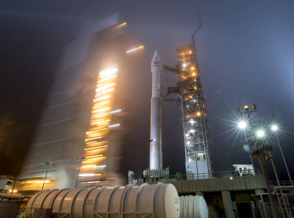Die Insight-Mission kurz vor dem Start in Vandenberg. An der Spitze der Rakete befindet sich die Raumsonde.