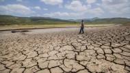 Trockenheit in Nicaragua. Das Wasserreservoir Las Canoas vor Managua ist großteils ausgetrocknet. Eine Folge des aufziehenden El Ninos?