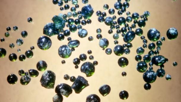 Wasser in lunaren Glaskügelchen entdeckt