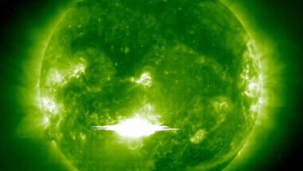 Sonnensturm über der Erde