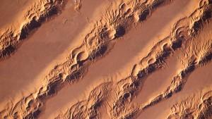 Sicheln, Sterne und Kreise im Saharasand
