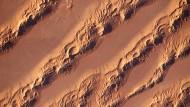 Faszinierende Formen: Längsdünen im östlichen Großen Erg im Nordosten Algeriens