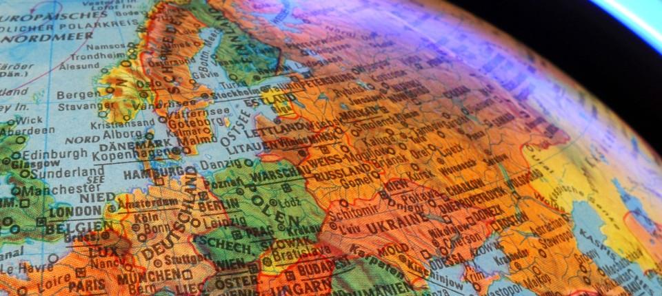 Flache Erde Karte Kaufen.Kartographie Rund Auf Flach Erde Klima Faz