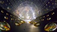 Ade, sterile  Neutrinos
