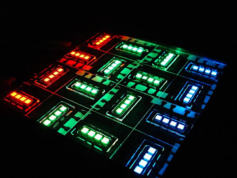 Organische Leuchtdioden (OLEDs) erstrahlen mittlerweile in allen Farben