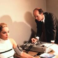 """Wie war das mit dem Eispickel? Sharon Stone als Catherine Tramell hat in Paul Verhoevens Erotikthriller """"Basic Instinct"""" aus dem Jahr 1992 auch am Lügendetektor alles unter Kontrolle."""