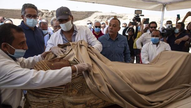 Dutzende altägyptische Sarkophage gefunden