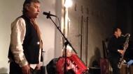 Hier spielt David Rothenberg Klarinette zu Heuschreckenklängen der Art Oecanthus fultoni