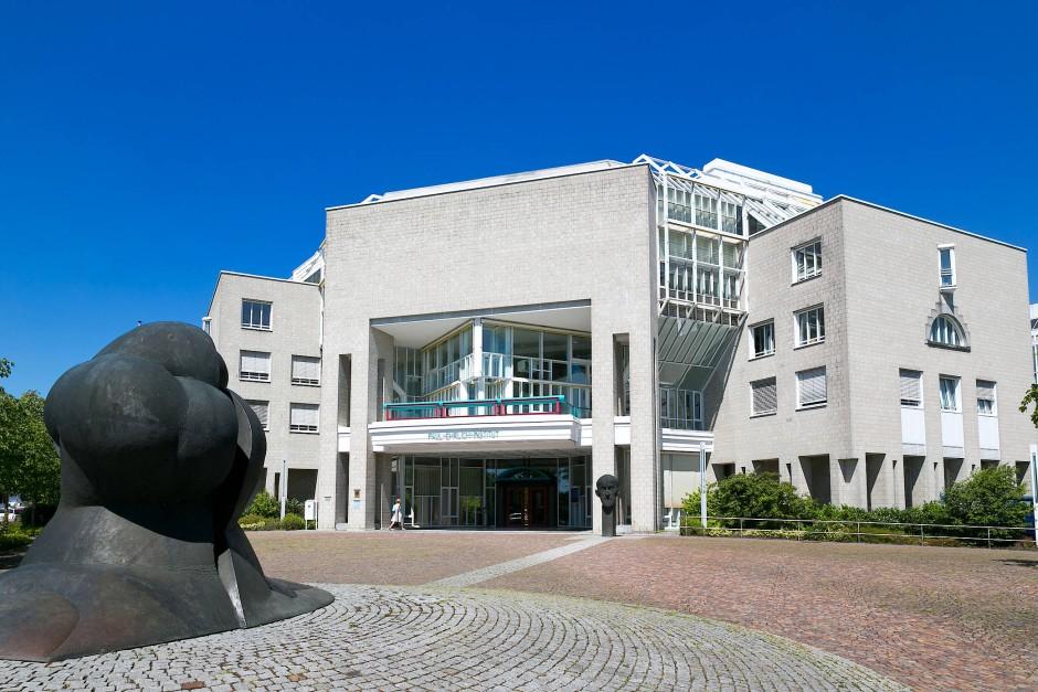 Über 900 Einzelfallberichte zur Checkpoint-Hemmung erreichten das Paul-Ehrlich-Institut in Langen.
