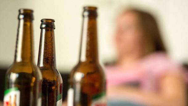 Wie Alkohol unser Gehirn austrickst