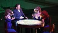 """Szene aus der Richard Strauss Oper """"Die Frau ohne Schatten""""."""