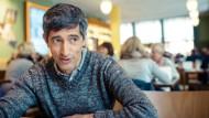 """Ranga Yogeshwar im Kölner """"Café im Funkhaus""""."""