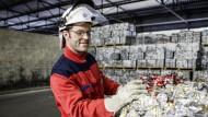 Frank Philippe, 34, hilft als Head of Recycling & Casting dabei, Ressourcen zu sparen.