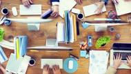 Großer Konzern, kleines Unternehmen oder Start-up? Bei der Unternehmenswahl kommt es auf die Intention des Praktikanten an.