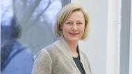 Gesche Joost ist Professorin für Designforschung und Leiterin des Design Research Labs der Universität der Künste Berlin.
