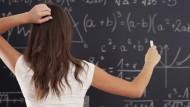 """Themen wie """"Effizientes Lernen"""" und """"Prüfungen erfolgreich bestehen"""" beschäftigen jeden Studenten -  Unsere Experten geben konkrete Tipps."""