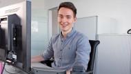 Thomas Pietrek, 24, arbeitet als SEA-Manager und berät Unternehmen bei der Planung ihrer digitalen Werbekampagnen.
