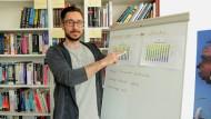 """Sebastian Gethke arbeitet derzeit an der Weiterentwicklung des Computerspiels """"Tom Clancy's Rainbow Six: Siege""""."""
