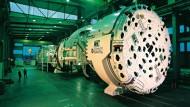 Der Durchmesser der Gripper-Tunnelbohrmaschine, die auf die einer der Baustellen am Gotthard-Tunnel zum Einsatz kam, beträgt fast zehn Meter.