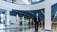 Der Unternehmenssitz von ENBW in Karlsruhe: Hier sitzen der Syndikusanwalt Tim Krautschneider und seine Kollegen – rund 40 weitere Volljuristen.