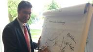 Markus Weiss arbeitet als Projektleiter bei Strategy&.