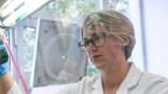 Sarah Müncheberg promoviert am Hamburger Heinrich-Pette-Institut.