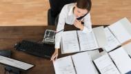 Die meisten Steuerberater sind selbständig. Wer als Steuerberater aber auf Unternehmensseite wechselt, kann es bis zum CFO bringen.