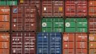 Die Logistikbranche wächst: Dabei dreht sich vieles um weltweite Lieferketten, passgenaue Anlieferung ans Montageband und immer speziellere Prozesse.
