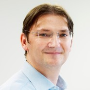 Johann Jungwirth kommt von Apple und ist seit November 2015 bei VW. Er will den Autokonzern bis 2025 zum führenden Mobilitätsanbieter machen.