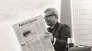 Daniel Libeskind hinter der F.A.Z. bei der Mittagspause