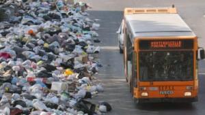 Nach der Müllkrise fürchtet Neapel um Besucher