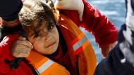 Griechische Küstenwache rettet Flüchtlinge