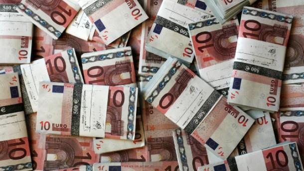 6,7 Milliarden Euro Überschuss im ersten Halbjahr