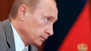 Putin entlässt Regierung
