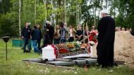 Beisetzung als Protest gegen europäische Flüchtlingspolitik