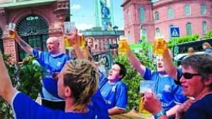 Klarer Sieg für Bier, Würstchen und Flaggen
