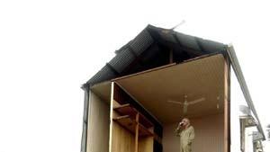 """Zyklon """"Larry"""" hinterläßt Schneise der Zerstörung"""