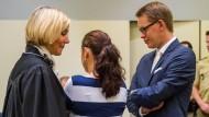 Zschäpe entzieht Anwälten das Vertrauen
