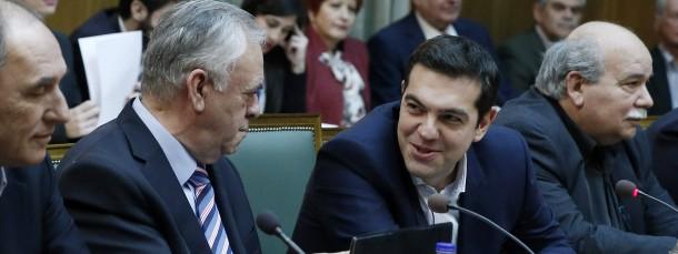 """Der neue griechische Ministerpräsident Alexis Tsipras (r.) am Mittwoch bei der ersten Kabinettssitzung in Athen (neben ihm: sein Stellvertreter Giannis Dragasakis): Riskiert er den """"Grexit""""?"""