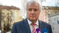 Seehofer gibt Bundesregierung Schuld