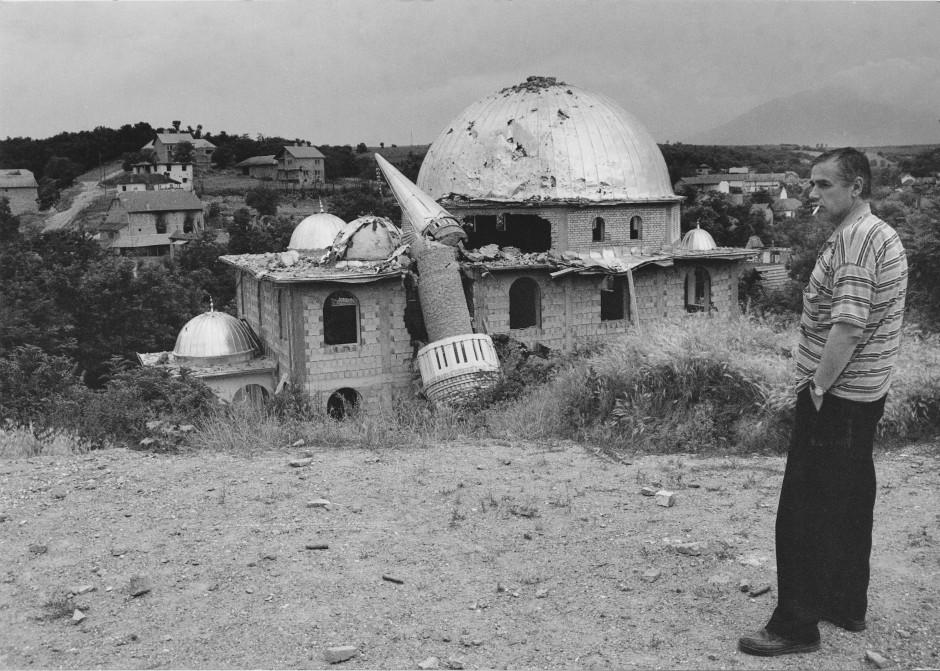 Außenansicht der zerstörten Moschee.