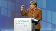 Merkel besucht IT-Gipfel