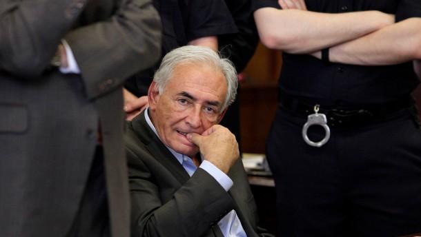 Strauss-Kahn kommt gegen Kaution frei